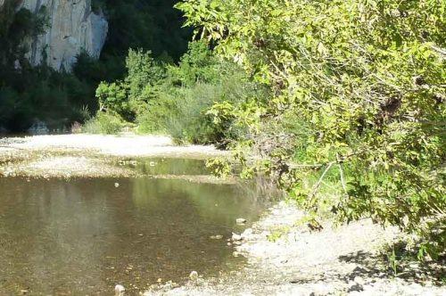 bagnols-plage-rivière
